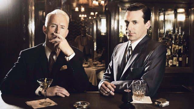 En las series también se hace uso de esta relación; Mad Men fue una de las que más dio canilla libre al tema