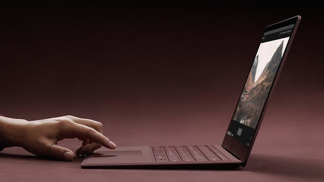 Una Microsoft Surface Laptop