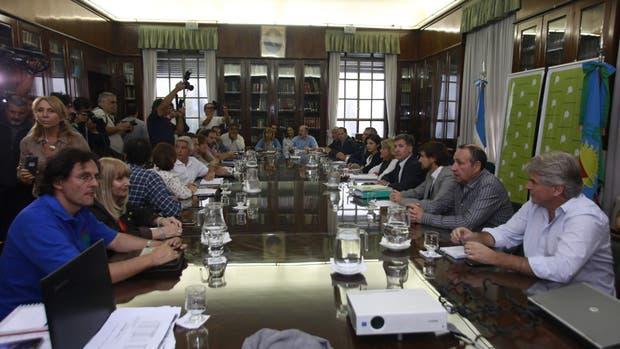 Los gremios docentes bonaerenses se reunieron con equipos del gobierno provincial con el objetivo de destrabar el conflicto que ya provocó nueve días de paro