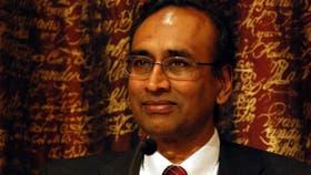 Venkatraman Ramakrishnan en 2009, al recibir el premio Nobel
