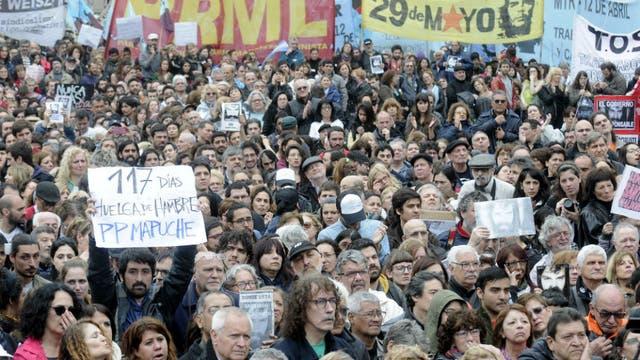 Miles de personas piden por la aparición de Santiago Maldonado