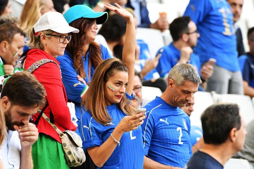 El publico en Alemania Vs Italia, por los cuartos de final de Eurocopa 2016. Foto: AFP / Vincenzo Pinto