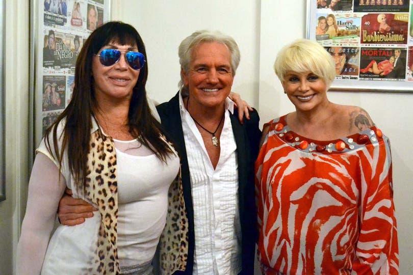 ¡Qué trío! Sergio Denis se sumó a la propuesta de teatro de Moria Casán y Carmen Barbieri, quienes protagonizarán la obra Sorpresas en el verano. Foto: Virtual Press
