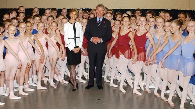 Junto a la bailarinas del Royal Ballet en mayo de 2004