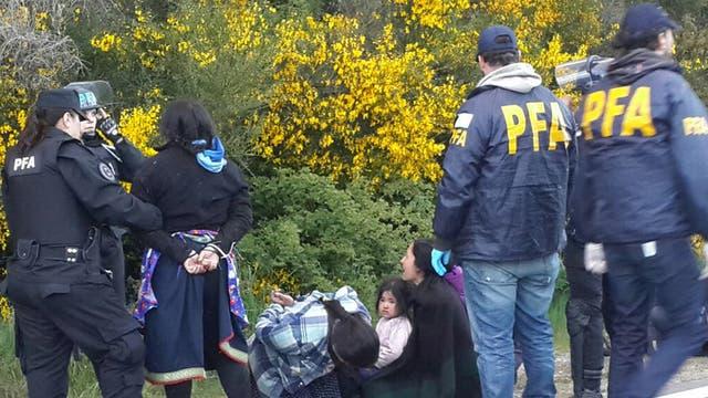 Un asentamiento que comenzó hace dos meses — Mapuches en Mascardi