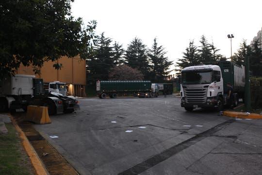 La entrada de la Ceamse de Colegiales, al lado del predio deportivo. Foto: LA NACION / Matías Aimar