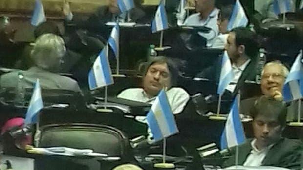 Máximo Kirchner y Axel Kicillof, dormidos en plena sesión de Diputados