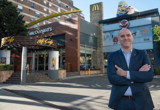 McDonald's dará su primer empleo a 1.000 jóvenes