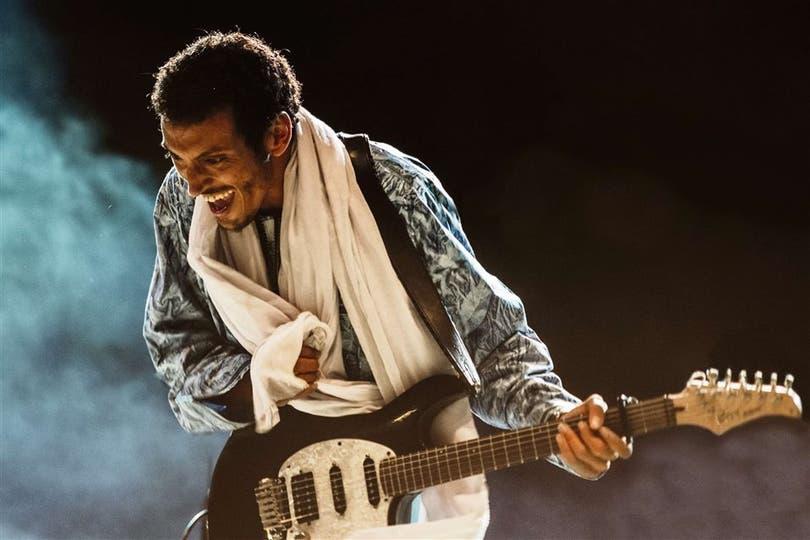 """El guitarrista Tuareg grabó años atrás con Mick Jagger y Charlie Watts, pero no sabía quiénes eran esos """"viejos locos"""""""