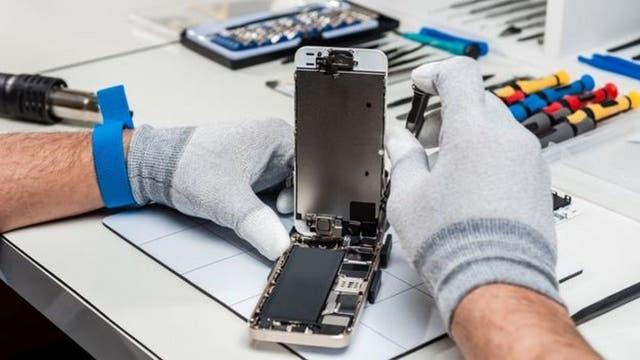 Reemplazar una batería puede ser costoso y la calidad de la reparación es a veces dudosa