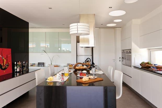 Cocinas integradas una isla que hace de barra y de - Cocinas integradas ...