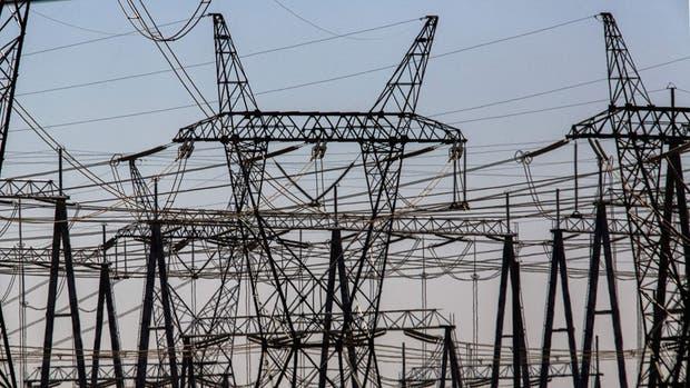El anuncio realizado por las firmas de seguridad ESET y Dragos señalan que el malware utilizado en el apagón de Kiev aprovecha las vulnerabilidades de la infraestructura de los sistemas de electricidad, agua y gas