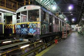 Comenzó la restauración de los vagones de la Línea A