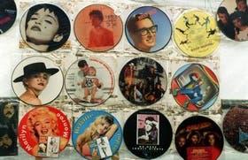 En Camden Town, Londres, cerca del Regent´s Canal, entre libros, joyas y muebles, el colorido de estos discos de colección