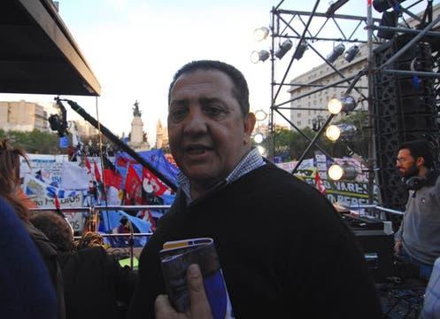 Luis D´Elía participó en las manifestaciones en apoyo de la ley que se llevaron a cabo desde la mañana en la Plaza del Congreso. Foto: DyN