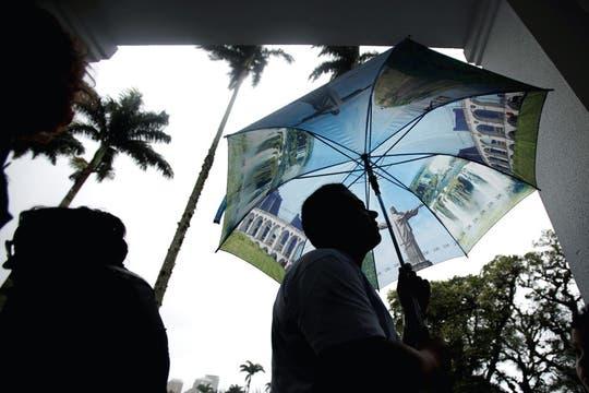Una fila en un centro de votación de Río de Janeiro. Foto: AP
