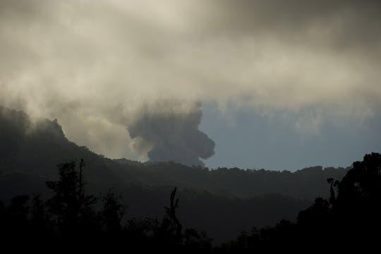 Vista de la nube de cenizas lanzadas por el volcán Puyehue, varios vuelos debieron ser supendidos en Australia. Foto: AFP