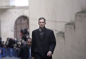 Más flaco y con cara cansada, Urdangarin llega a un juzgado de Palma de Mallorca