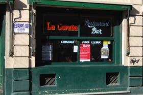 El bar, visto desde la calle