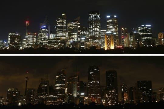 Vista desde el puerto de Sidney antes y después del apagón. Foto: Reuters