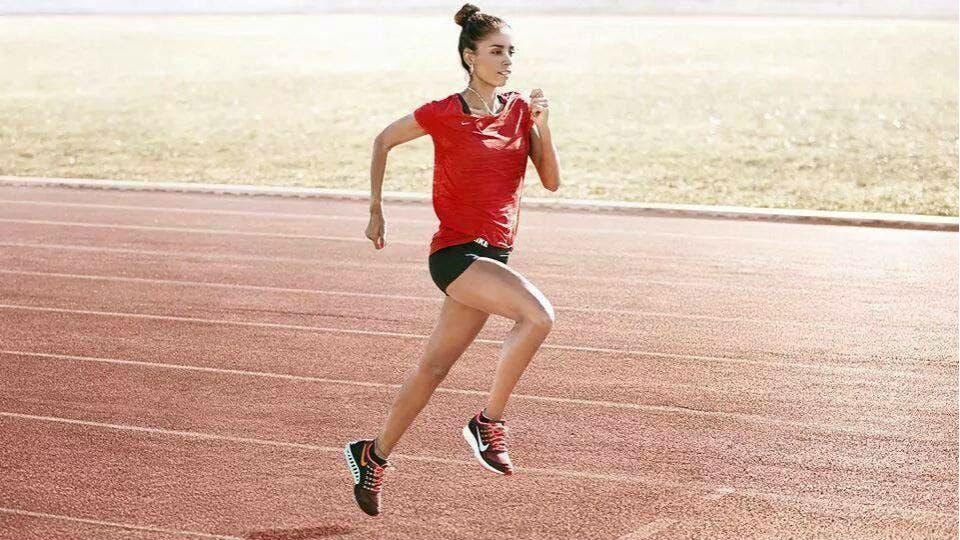 Peralta se entrenó para la maratón de Berlín en Mar del Plata, la atleta no pudo viajar a la altura de Cachi, en Salta