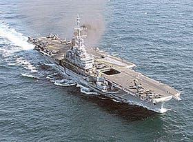 El portaaviones Foch, adquirido por la marina brasileña
