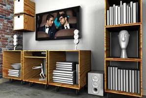 DIY: un espacio para mirar la TV armado con cubos de madera