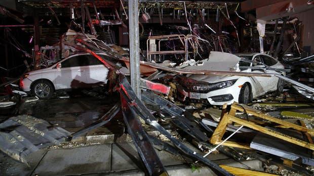 Los tres tornados destruyeron casas, autos y caminos en Texas