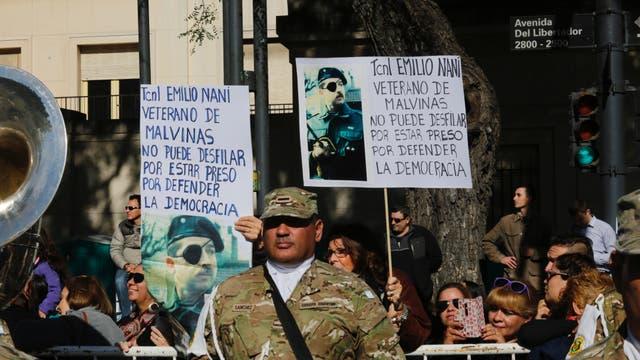 Palermo es escenario del desfile militar por el aniversario de la Revolución de Mayo. Foto: LA NACION / Ricardo Pristupluk