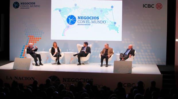Félix Peña, Marisa Bircher, Ignacio Federico (LA NACION), Fernando Vilella y Marcelo Regúnaga