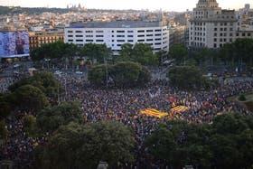 Protestas exigen un referéndum para revisar la monarquía