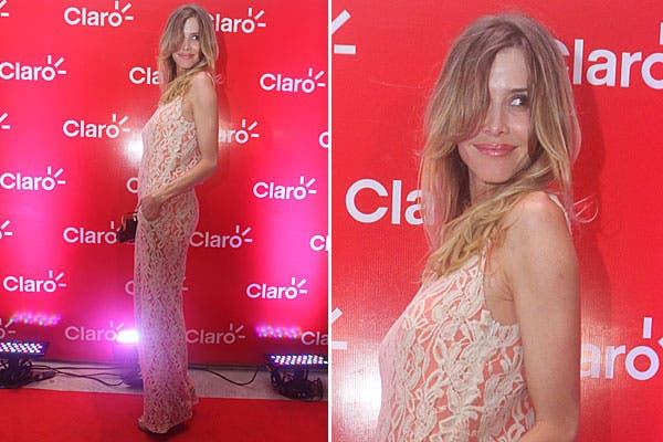 Guillermina Valdés eligió un vestido largo, en color coral, todo bordado, para ir a la fiesta de Claro en Mar del Plata. Foto: gentileza Muchnik