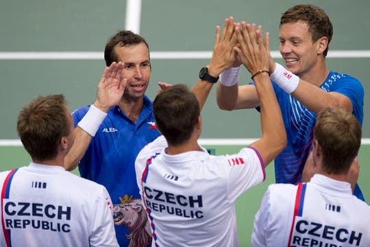 Carlos Berlocq y Horacio Zeballos poco pudieron hacer ante los checos Tomas Berdych y Radek Stepanek. Foto: AP
