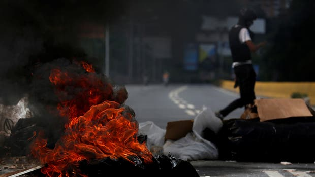 Segundo día de paro en Venezuela: hay cortes, barricas y confirman dos muertos