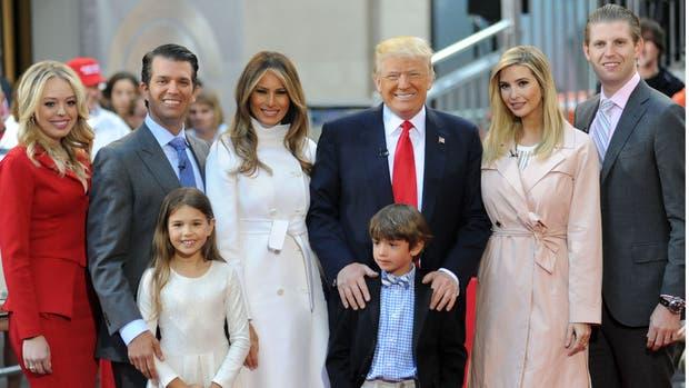 Resultado de imagen para trump y familia en casa blanca