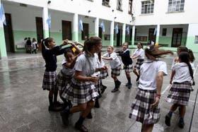 Alumnos durante un recreo en una escuela