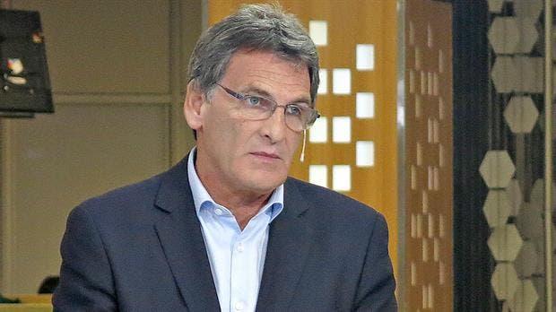 Claudio Avruj viaja a Chubut.