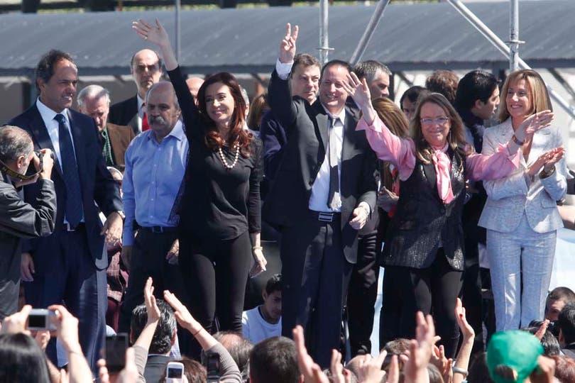 Cristina Kirchner se presentó en un acto en calzas y las acompañó con un collar de perlas. Foto: LA NACION / Maxie Amena