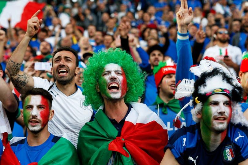 El publico en Alemania Vs Italia, por los cuartos de final de Eurocopa 2016. Foto: EFE / Rungroj Yongrit