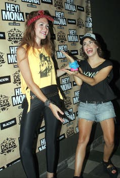 La joven actriz estuvo acompañada por su amiga Lali Espósito. Foto: Amado Group