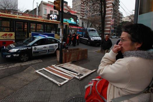 Un colectivo de la línea 42 atropelló a dos chicas en Colegiales. Foto: LA NACION / Ricardo Pristupluk