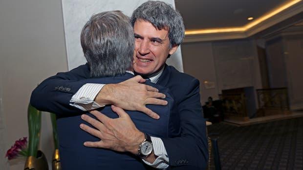 Prat-Gay y el secretario de Finanzas, Luis Caputo, ayer, en Nueva York