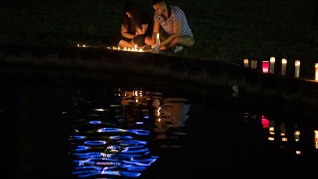Alrededor del mundo se hicieron homenajes a las 49 víctimas fatales que dejó el ataque al club nocturno Pulse.