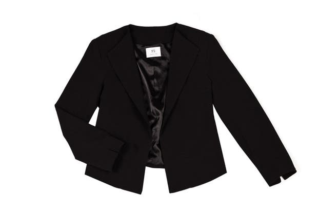 Clásico negro (Koxis, $890).