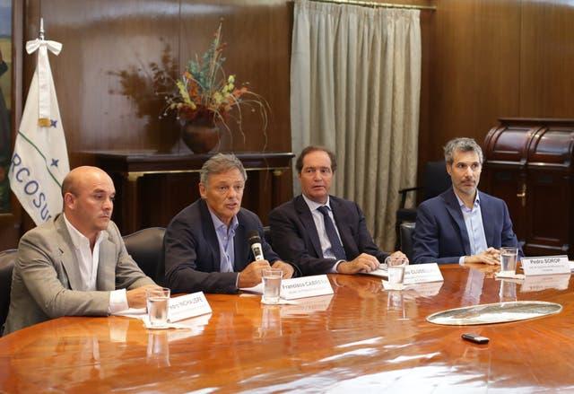 El ministro Francisco Cabrera anunció ayer el megadecreto de Macri