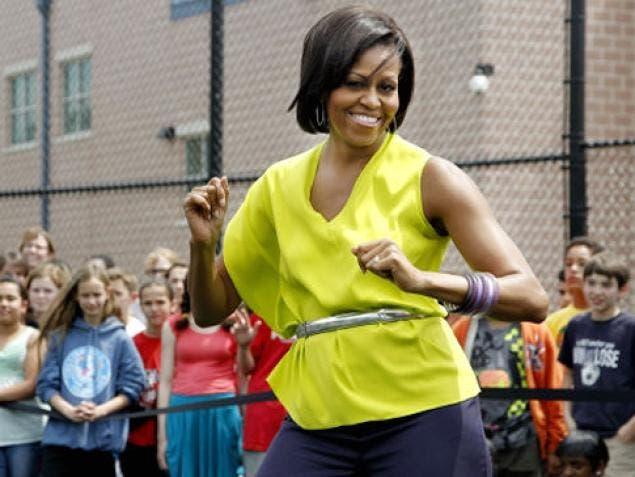 La mayoría de las mujeres de los EE.UU. encuestadas afirman soñar con los brazos de la primera dama norteamericana