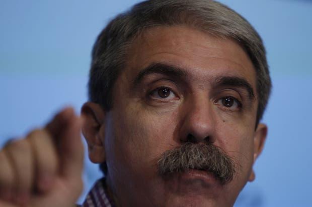 Aníbal Fernández descabezó a los entrenadores de las seleciones