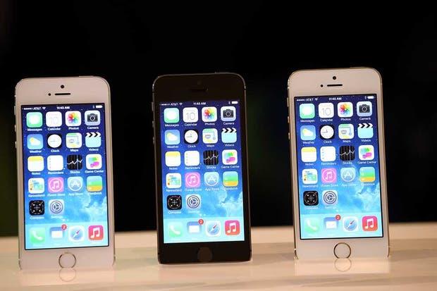 El iOS 7 llegará a los dispositivos de Apple antes de la salida comercial del iPhone 5S y 5C, los modelos que ya tendrán integrado al nuevo sistema operativo