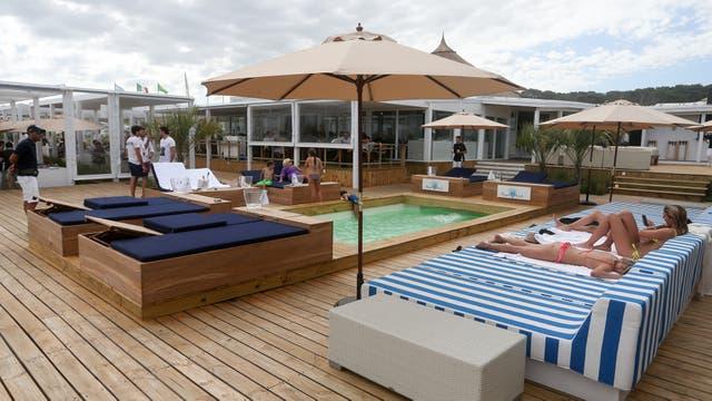 El parador del Mantra cuenta con grandes espacios para el relax y un bistró de lujo para almorzar:Bagatelle. Foto: Diego Lima