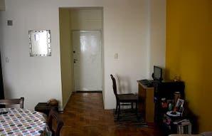 Caso 71: ¿cómo armarías un espacio de trabajo en este living-comedor?
